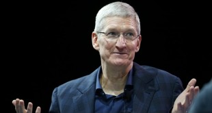 Apple CEO Tim Cook speaks at the WSJD Live conference in Laguna Beach, California October 27, 2014.  REUTERS/Lucy Nicholson (UNITED STATES - Tags: BUSINESS SCIENCE TECHNOLOGY) - RTR4BTSW